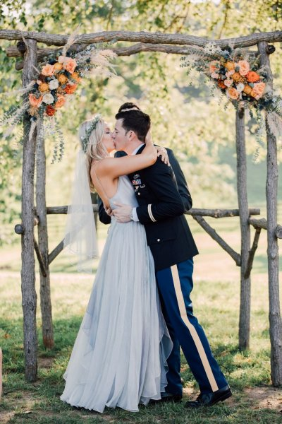 SummerWeddingRobinHillFarmandVineyards-RyanElizabethPhotographerMD